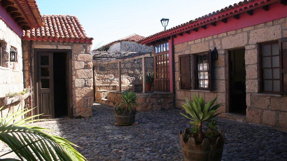 guesthouse granadilla las vegas (12)