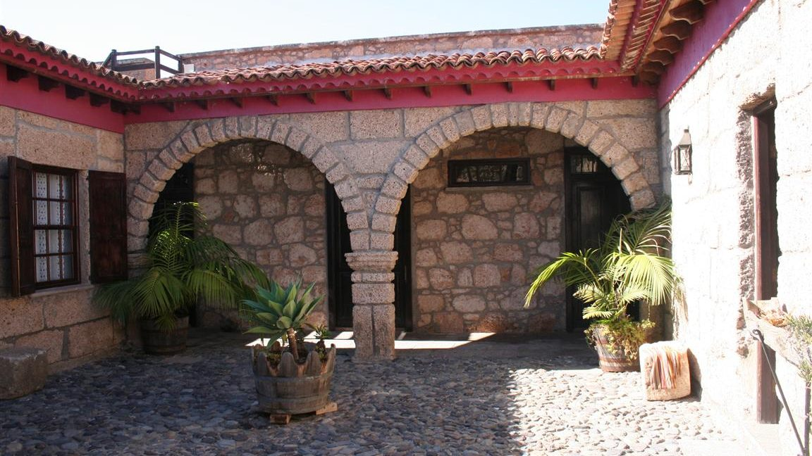 guesthouse granadilla las vegas (17)