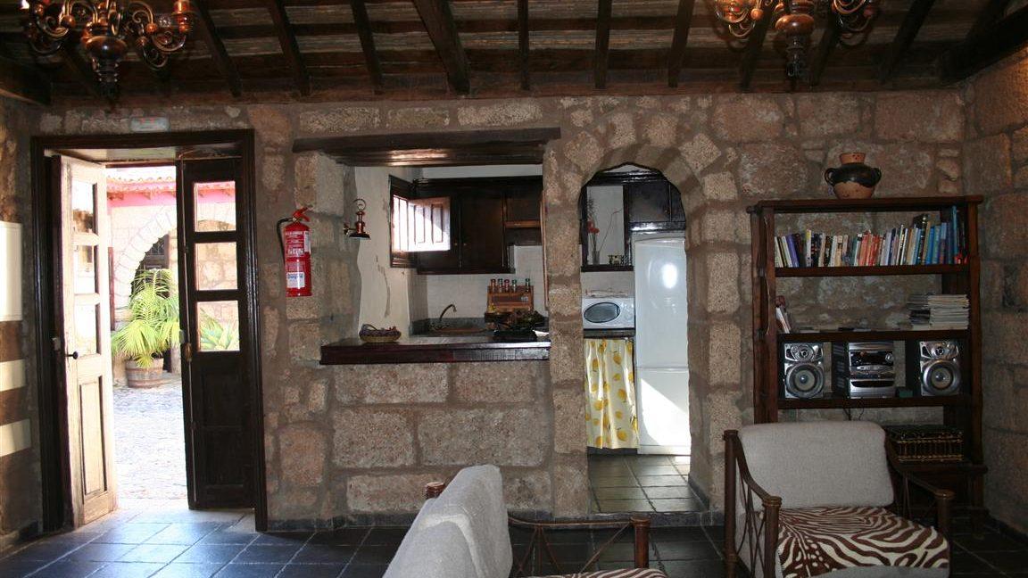 guesthouse granadilla las vegas (19)