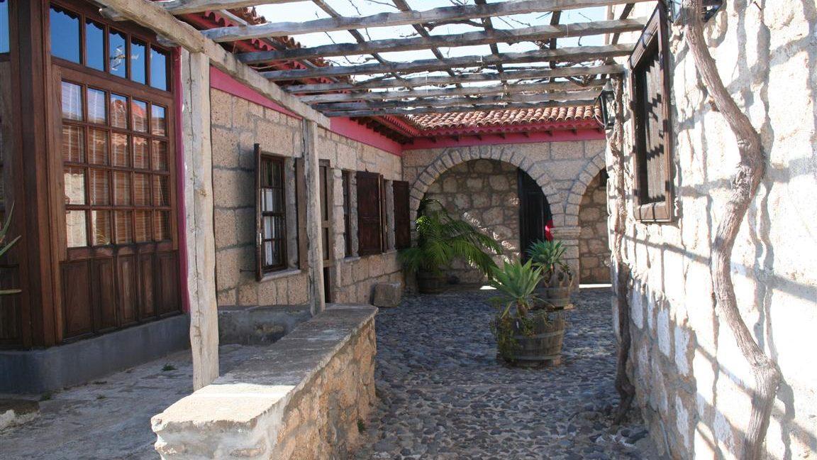 guesthouse granadilla las vegas (3)