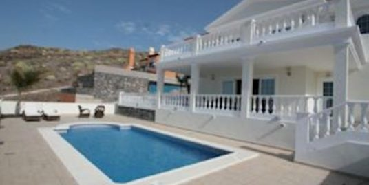 Detached Luxury Villa for Sale