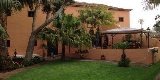 Large Villa in La Laguna