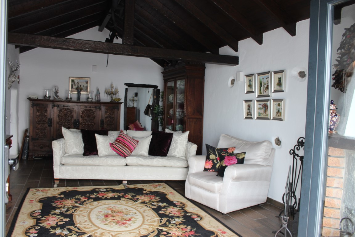 Rural Property for sale in Benijos